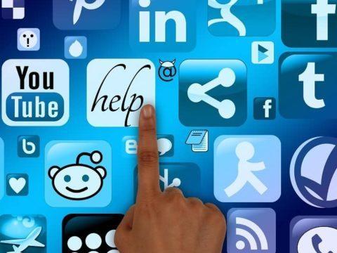 Cataclaude Community manager reseaux sociaux notamment sur Facebook