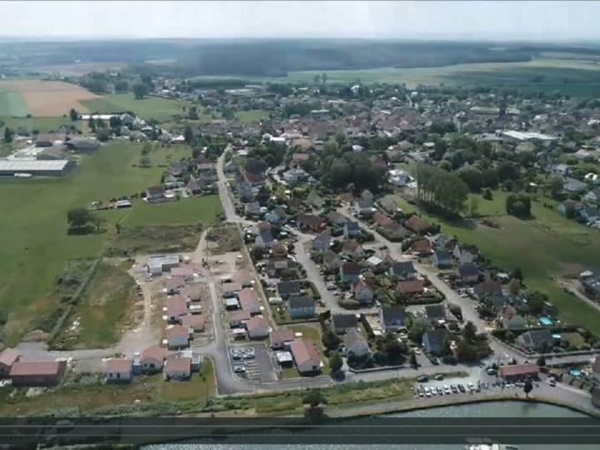 Prestation vidéo avec cette prise de vues aériennes avec un drone au dessus du village seniors avec services à 68210 Dannemarie Haut-Rhin Alsace